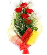 5 li kırmızı gül buketi  Diyarbakır online çiçekçi , çiçek siparişi