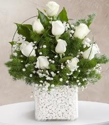9 beyaz gül vazosu  Diyarbakır çiçek online çiçek siparişi