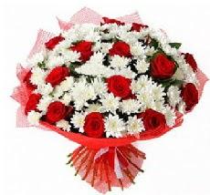 11 adet kırmızı gül ve 1 demet krizantem  Diyarbakır internetten çiçek satışı