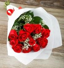 9 kırmızı gülden buket çiçeği  Diyarbakır anneler günü çiçek yolla