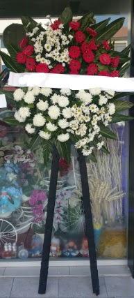 Cenaze çiçeği cenaze çiçek modelleri  Diyarbakır yurtiçi ve yurtdışı çiçek siparişi