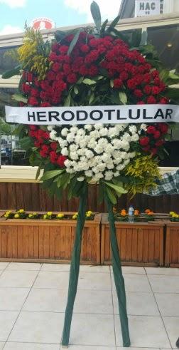 Cenaze çelengi cenazeye çiçek modeli  Diyarbakır çiçek online çiçek siparişi
