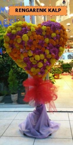 Ankara mevsim çiçeklerinden kalp perförje  Diyarbakır hediye sevgilime hediye çiçek