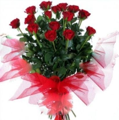 15 adet kırmızı gül buketi  Diyarbakır çiçek gönderme