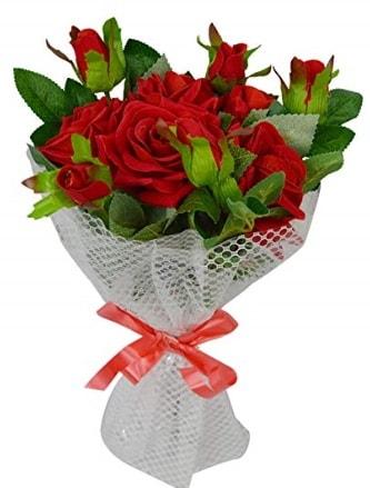9 adet kırmızı gülden sade şık buket  Diyarbakır hediye sevgilime hediye çiçek